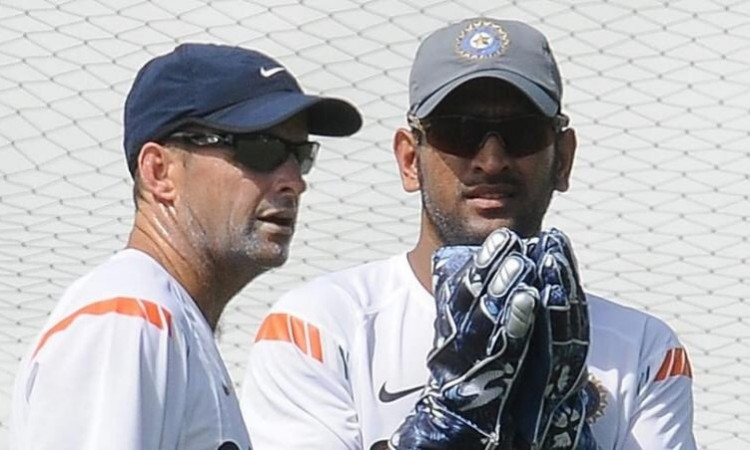 MS DHoni and Gary Kirsten