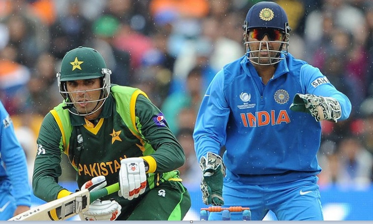 Misbah Ul Haq and MS Dhoni