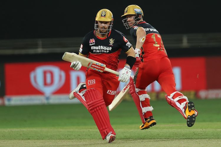 AB DeVilliers Aaron Finch Images