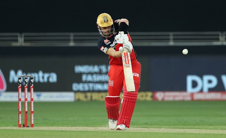 Aaron Finch (RCB V MI) Images in Hindi