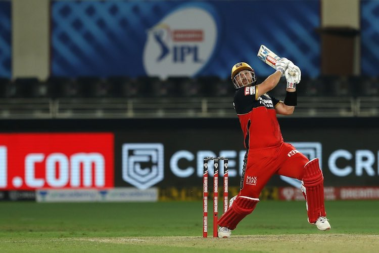Aaron Finch In Action Images in Hindi