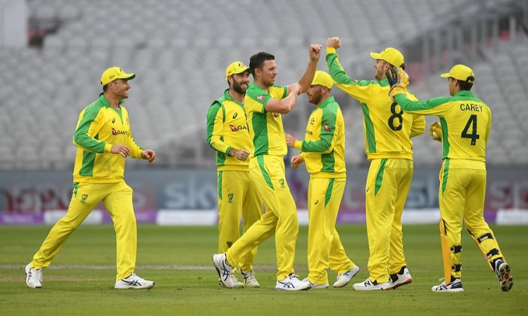 Australia beat england in first odi