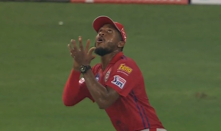Chris Jordan In Action Against Delhi Capitals Images