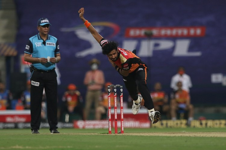 Khaleel Ahmed (SRH V DC) Images in Hindi