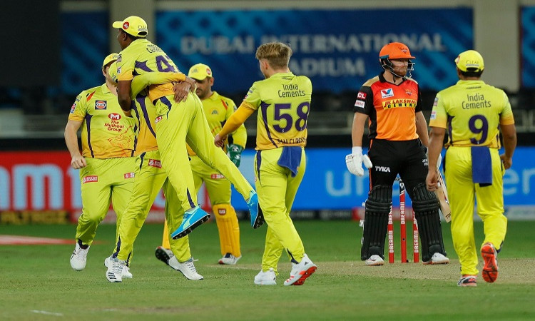 Chennai Super Kings captain MS Dhoni praised Sam Curran in hindi