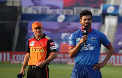 Delhi Capitals opt to bowl first against Sunrisers Hyderabad