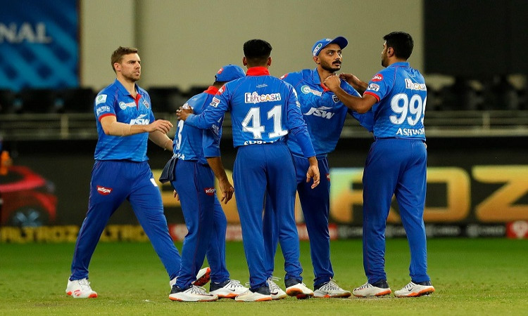IPL 2020 former indian cricketer Aakash Chopra reacts after DC loss against Sunrisers Hyderabad in h