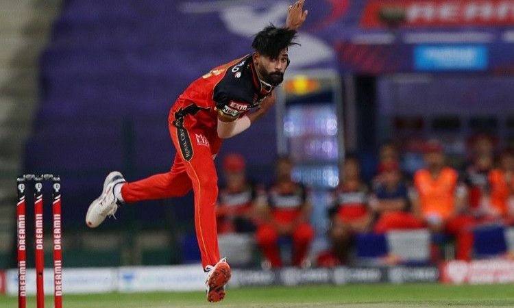 Mohammed Siraj becomes first bowler to bowl 2 maiden overs in an IPL match