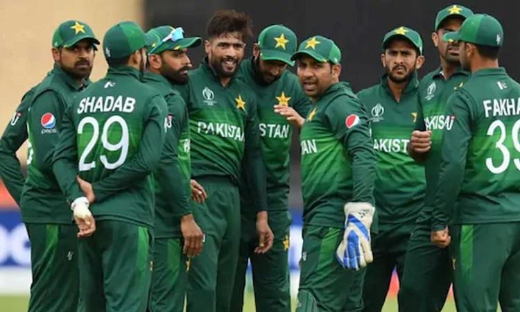 Pakistan announce squad for odi and t20 series vs Zimbabwe