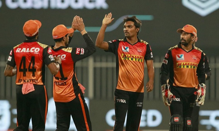 Sunrisers Hyderabad beat Royal Challengers Bangalore by 5 wickets