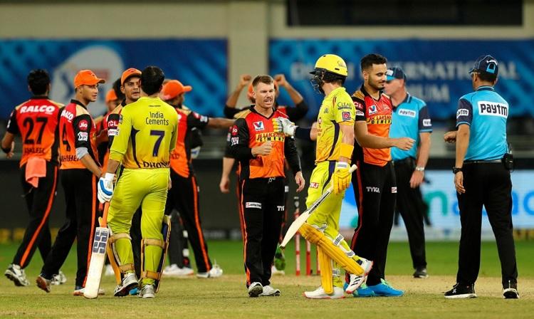 Sunrisers Hyderabad beat Chennai Super Kings