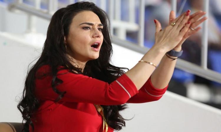 after Kings XI Punjab wins against RCB Salman Khan old tweet goes viral in hindi
