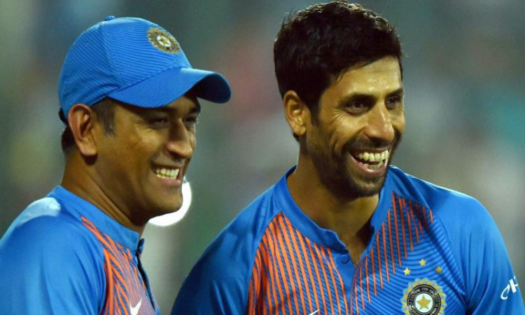 former indian cricketer Ashish Nehra talks about his bond with MS Dhoni in hindi