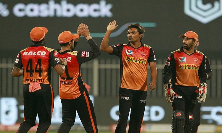 ipl 2020 disciplined srh restricts rcb for 120/7