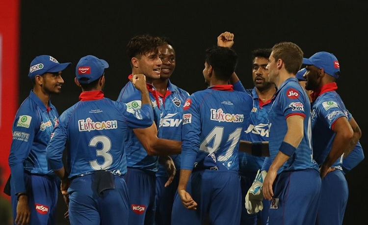 Delhi capitals beat sunrisers hyderabad by 17 runs, through to maiden IPL final