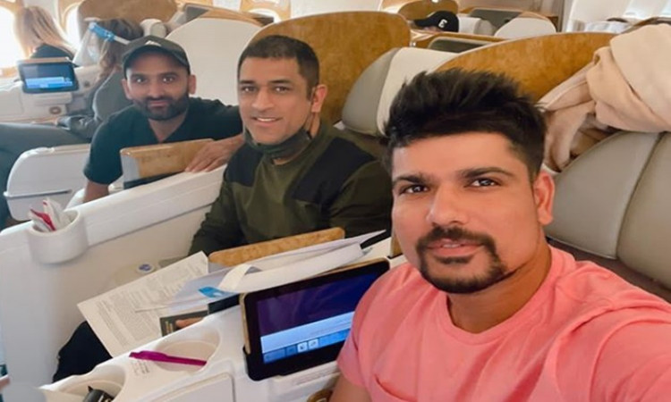 IPL 2020 CSK players left for India Karn Sharma posted a selfie from inside the flight with MS Dhoni