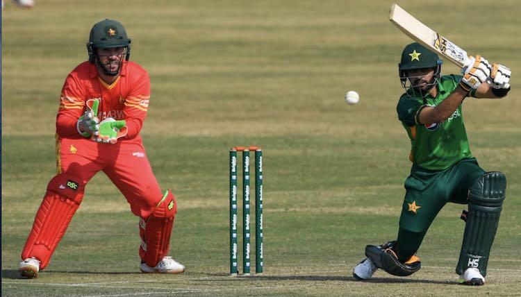 पाकिस्तान ने जिम्बाब्वे को 6 विकेट से हराया