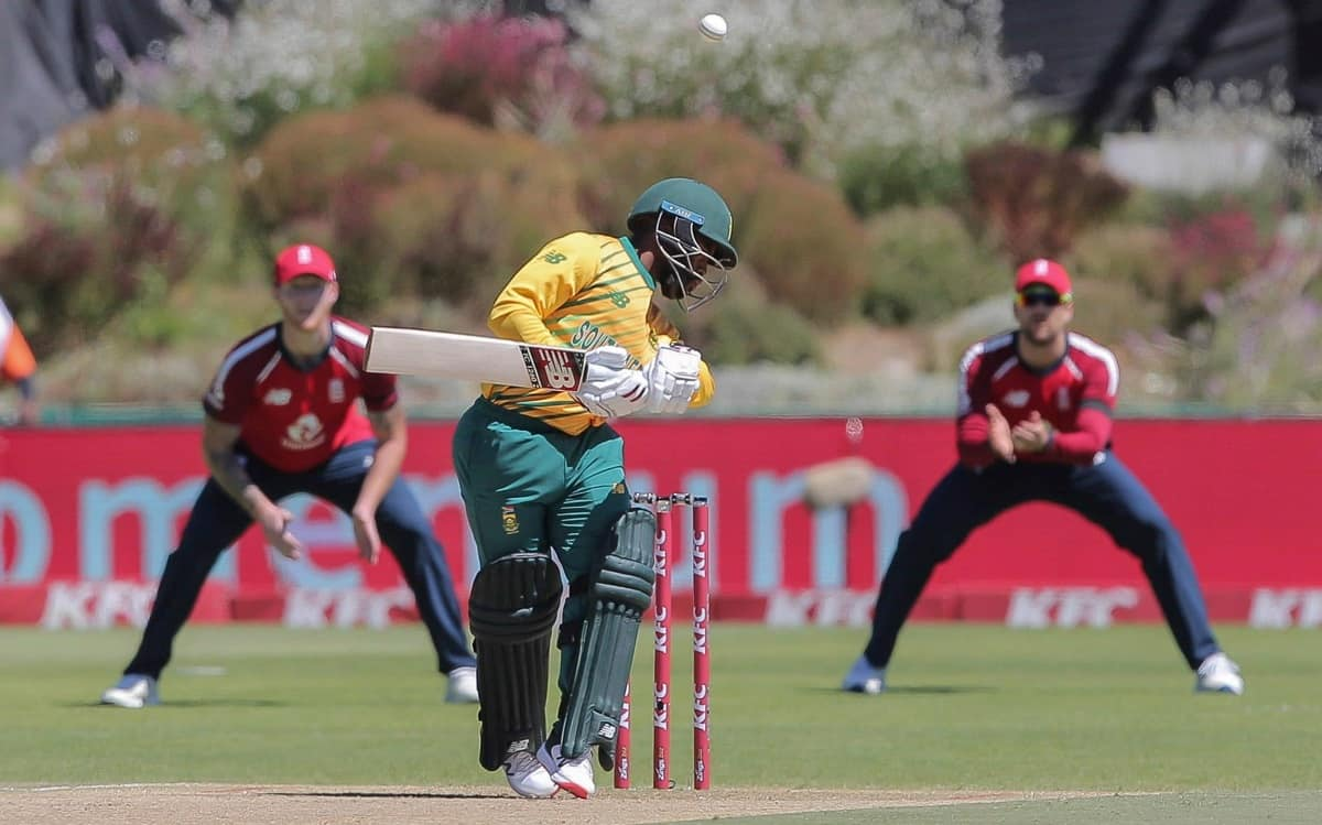 SA Struggle On Slow Pitch In 2nd T20I Against England