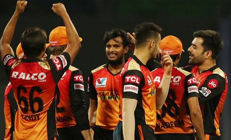 Jason Holder,T Natarajan keep Royal Challengers Bangalore to 131