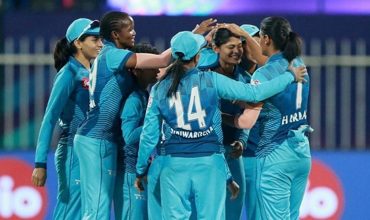 Supernovas beat Trailblazers by 2 runs,both reach Women's T20 Challenge 2020 final