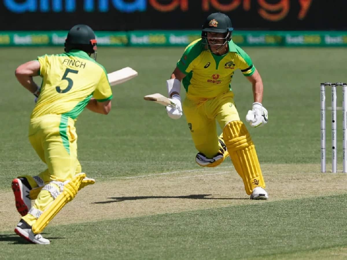 ind vs aus, 1st odi finch and warner continue to score big against india