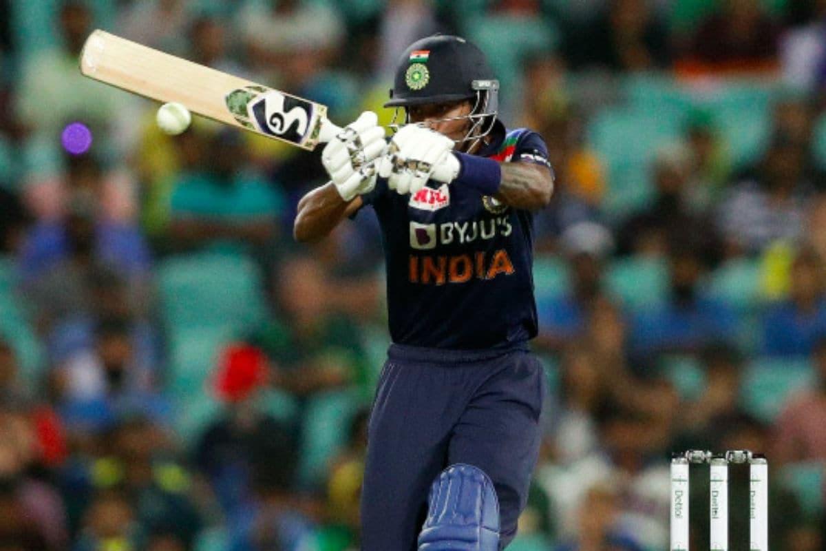 ind vs aus, 1st odi i'm not yet ready as a bowler, says pandya