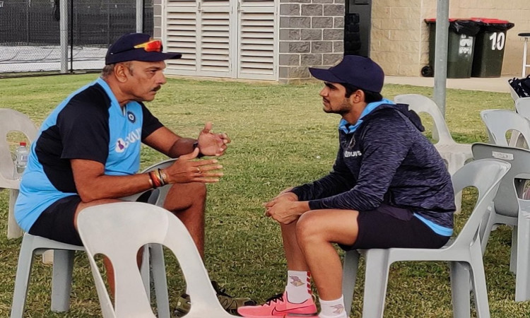 Ind Vs Aus: Shastri And Gill Enjoy 'Good Conversation' About Cricket