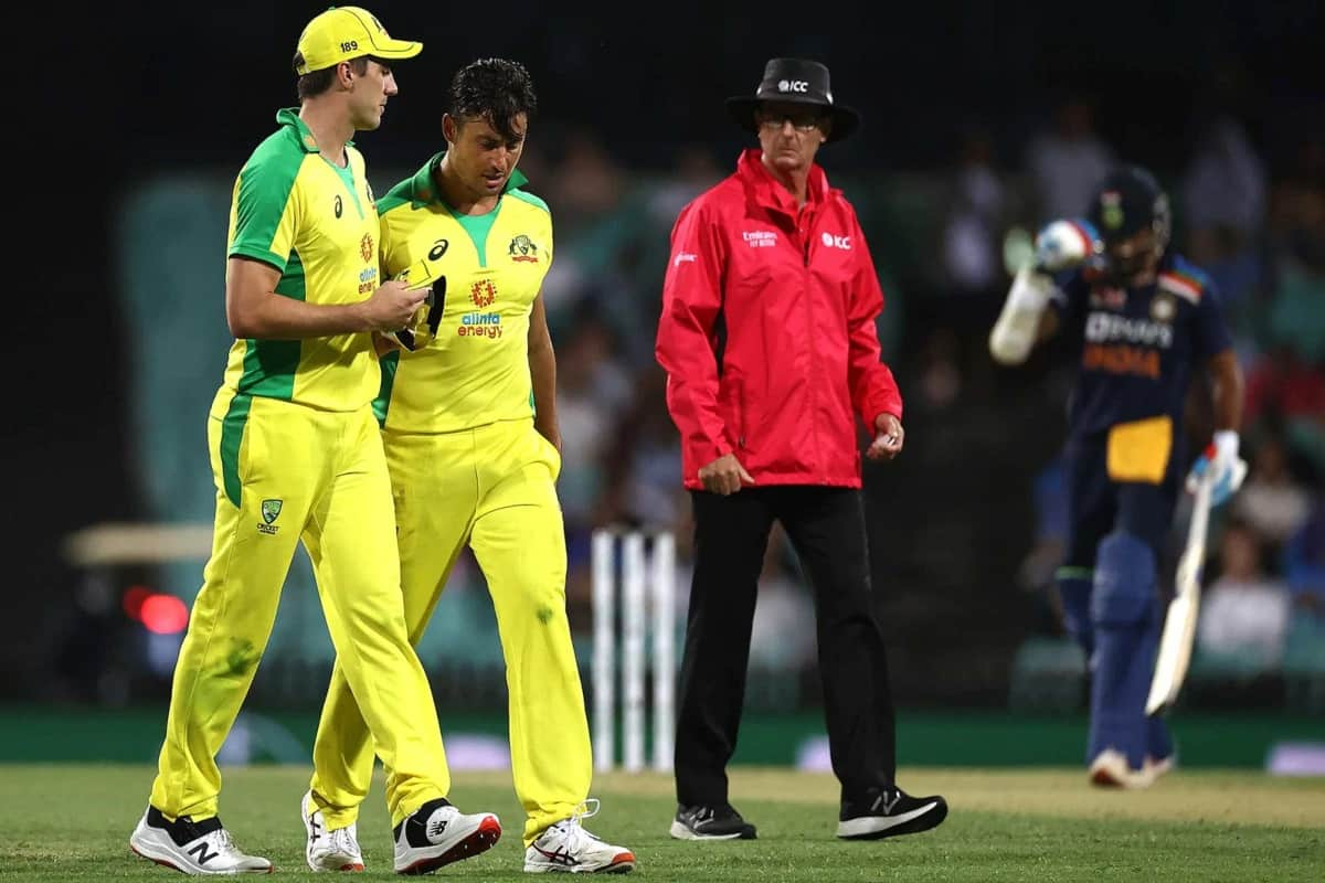 ind vs aus uncertainity over stoinis ahead of the 2nd odi