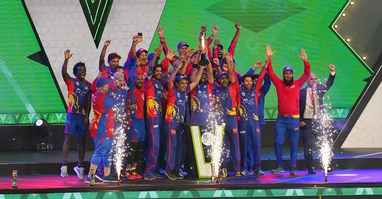 psl karachi kings crowned champions after beating lahore qalandars in final