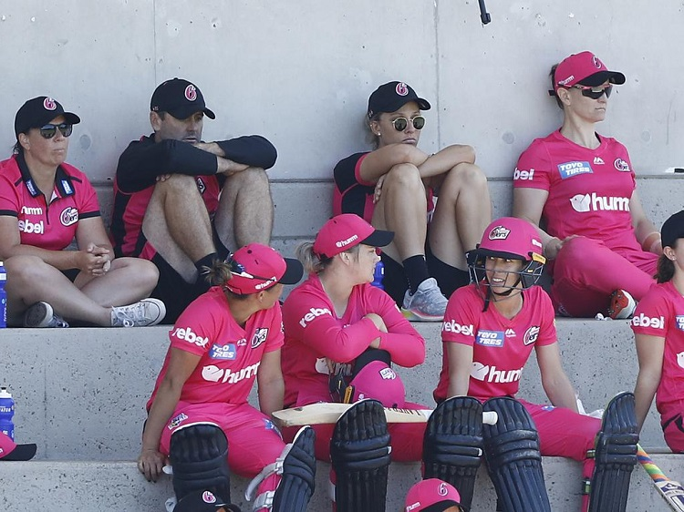 wbbl 'administrative error' costs sydney sixers $25000