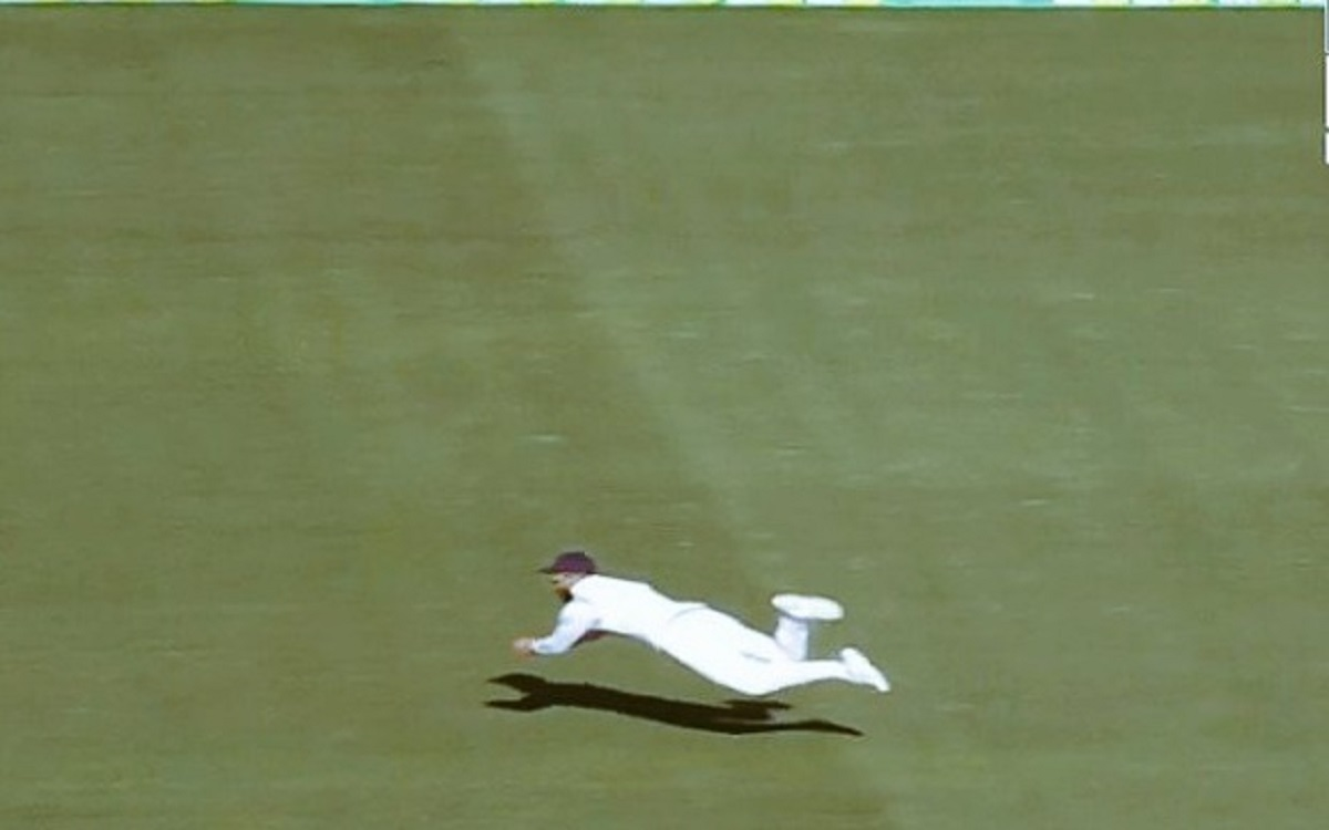 Virat Kohli stunning catch to dismiss Cameron Green