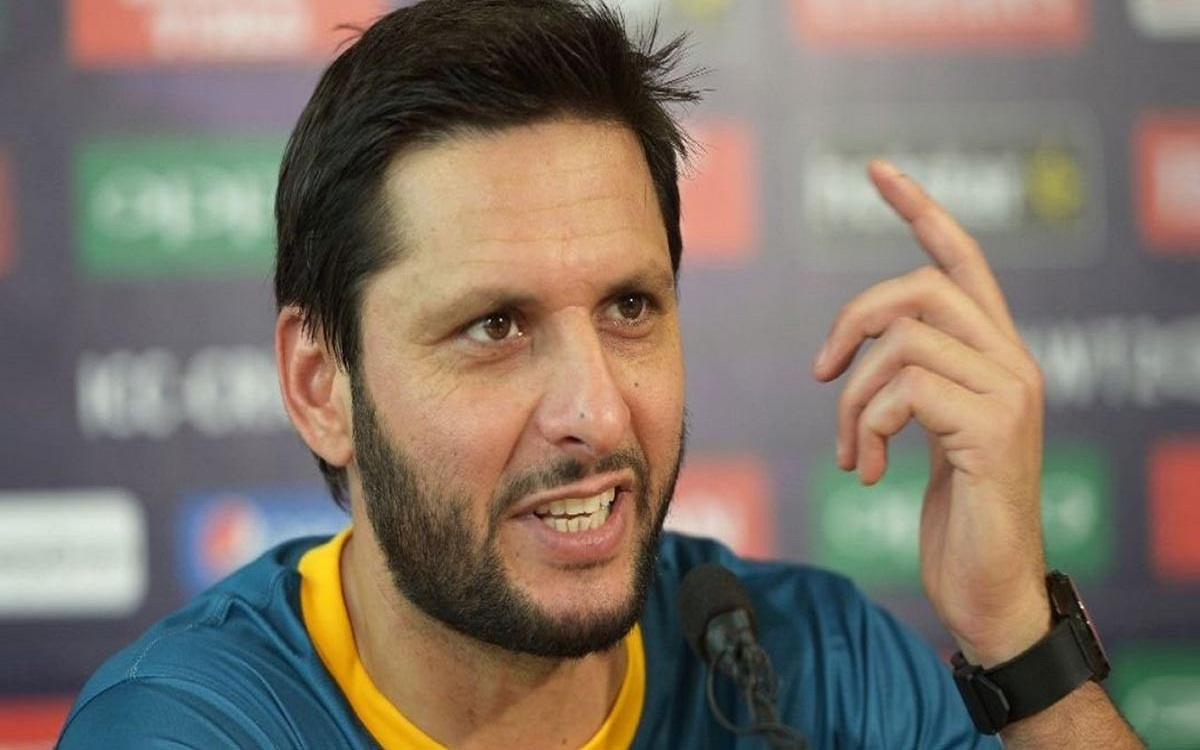 Shahid Afridi reacts after team India humiliating defeat in Adelaide test match