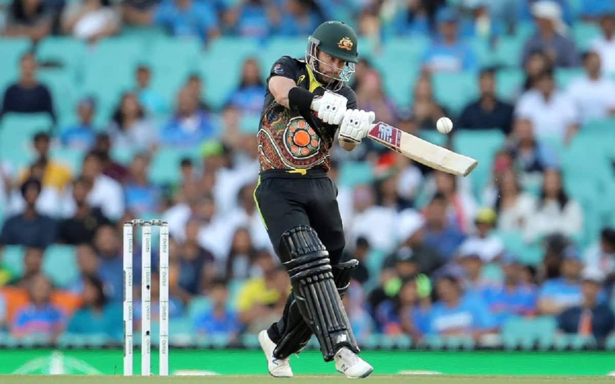 Wade, Smith help Australia set 195-run target for India