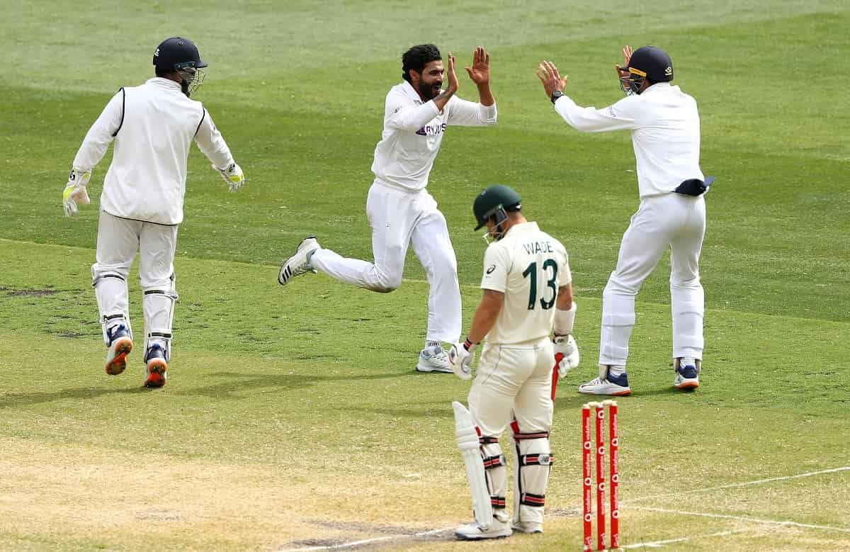 AUS vs IND: Melbourne Test, Australia Takes a lead of 2 run at the end of day 3