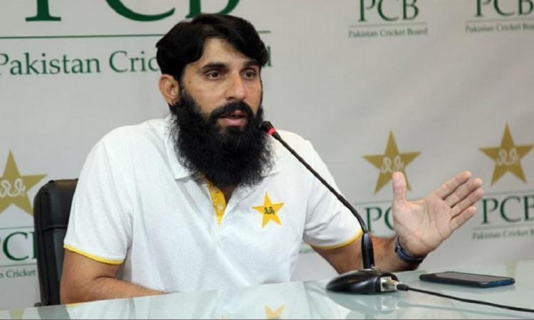 पाकिस्तान के कोच मिसबाह-उल-हक ने कहा, हमने न्यूजीलैंड दौरे से नाम वापस लेने का सोचा था
