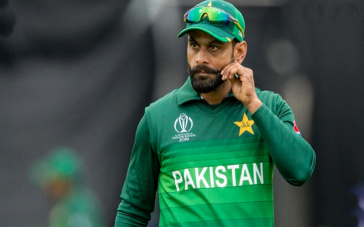 Mohammad Hafeez 99 against new zealand is the highest by any batsman in T20Is aged 39 or more
