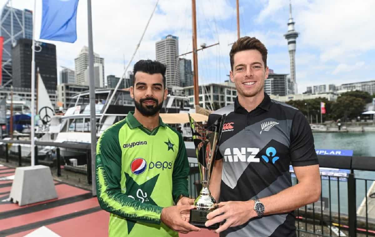 Pakistan opt to bat first against New Zealand in first T20I