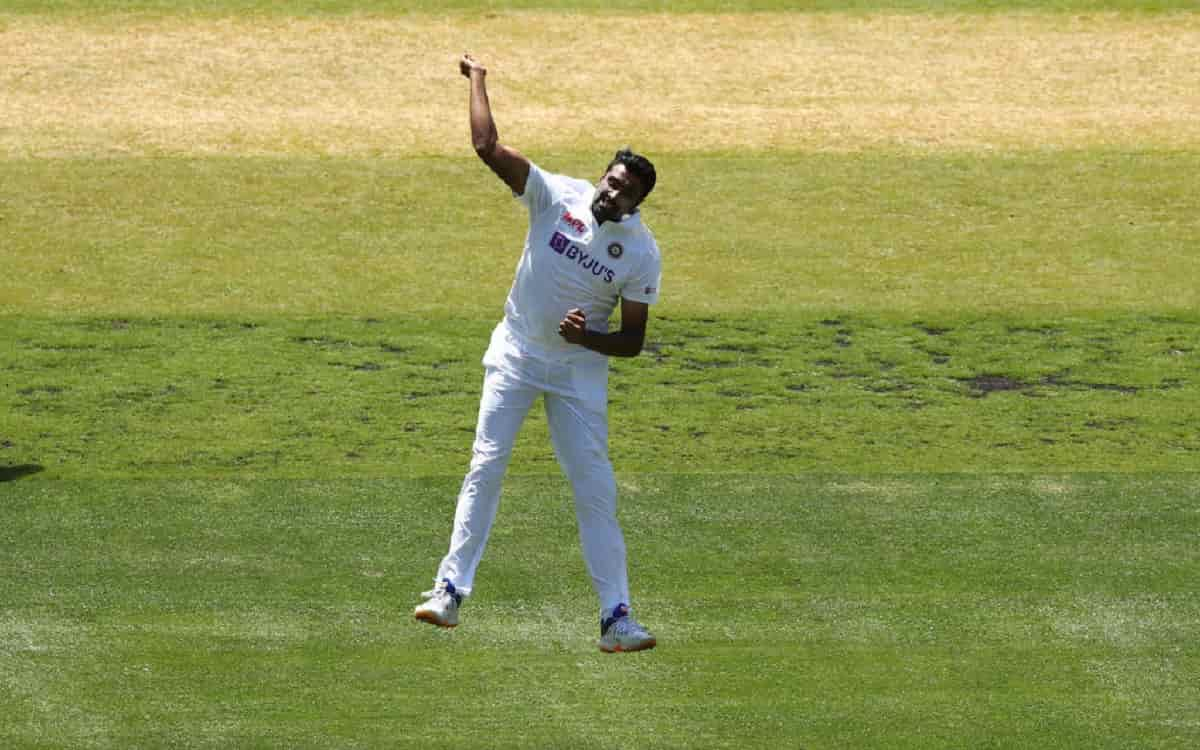 Ravichandran Ashwin becomes the first Indian bowler to dismiss Steve Smith on Duck