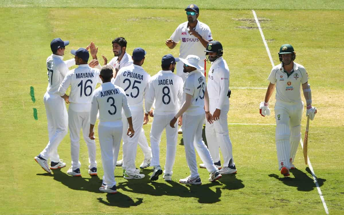 Team India reduce Australia to 65-3 after being asked to bowl first in boxing day test