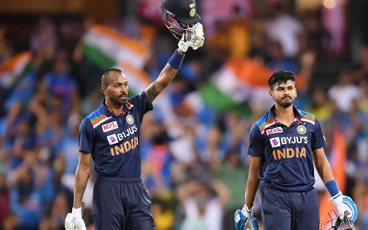 Dhawan, Kohli, Pandya help India complete big chase, win series