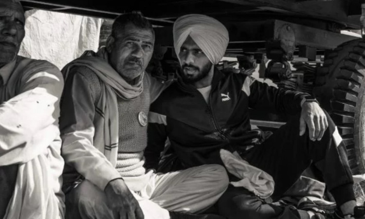 indian cricketer Mandeep Singh joins farmers protest at Singhu Border in hindi
