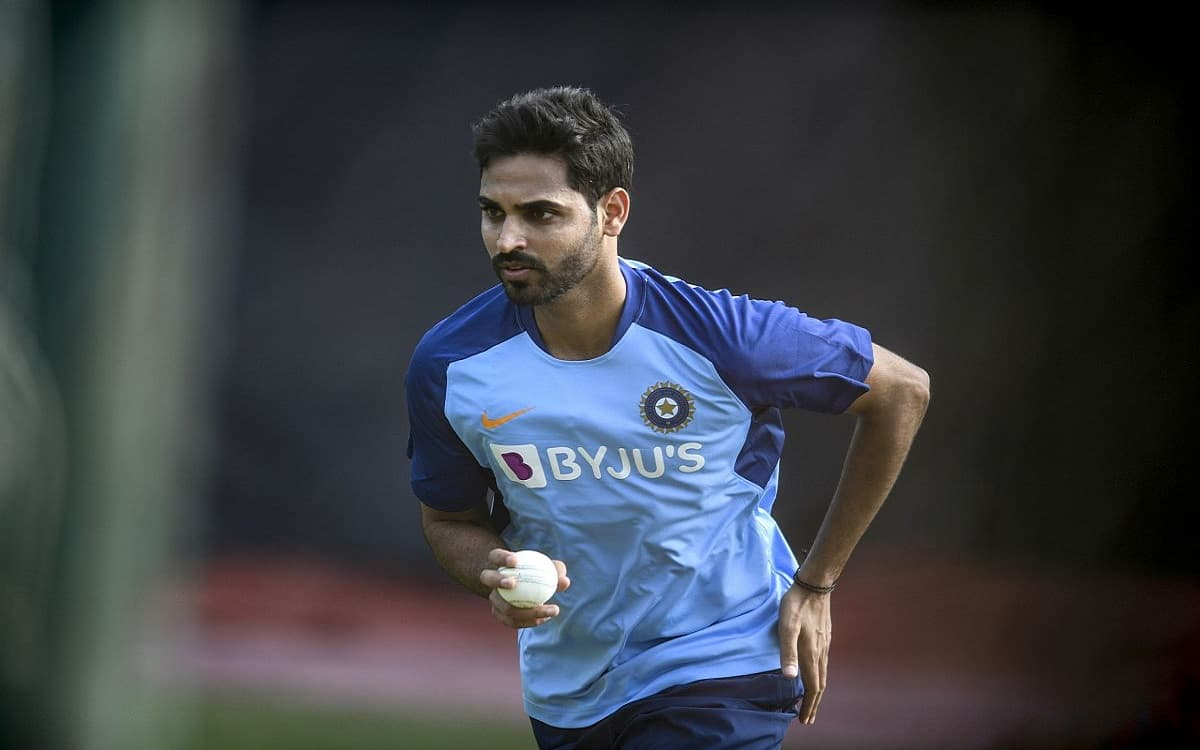 Image of Pacer bhuvneshwar kumar out for 6 months