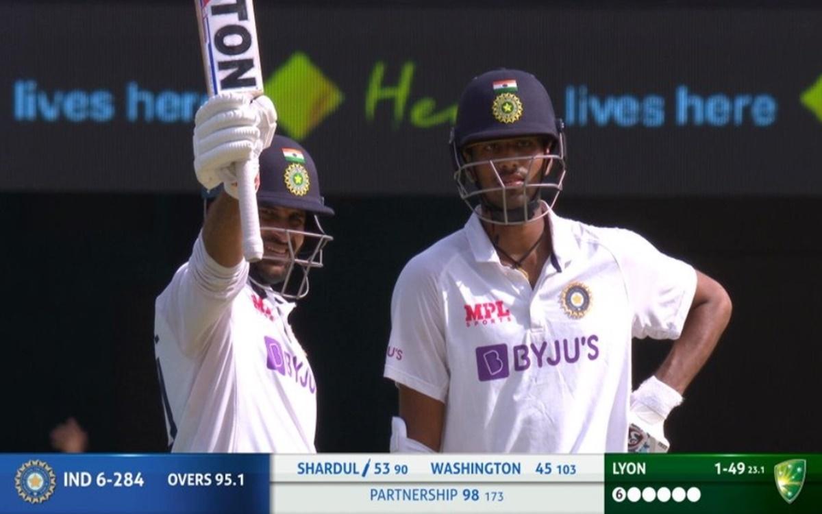Brisbane Test bleeding from the fingers of Shardul Thakur Thakur