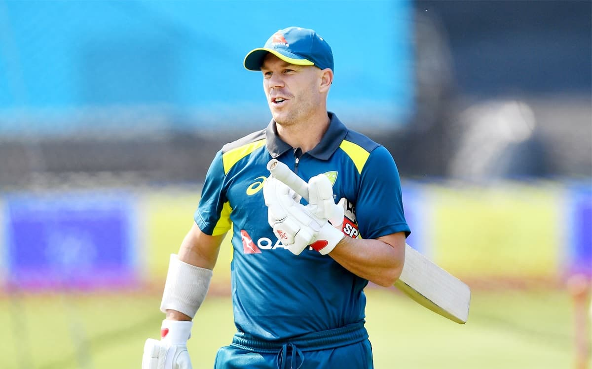 David Warner  will play only if he is able to stretch to take catches in the slips and quick singles