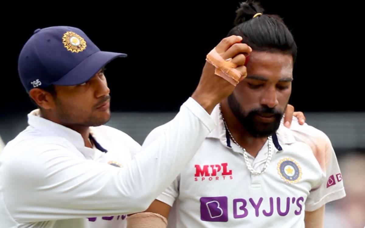 Mayank Agarwal use an innovative way to shine the ball