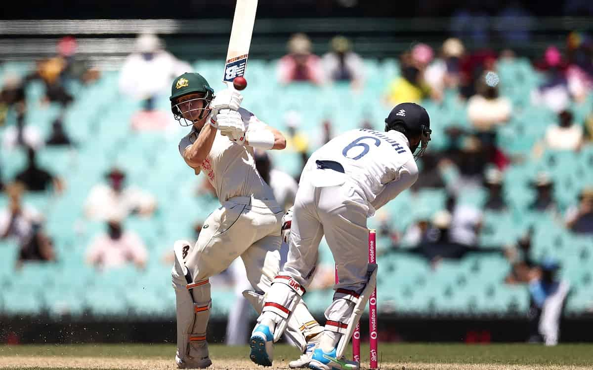 Australia extend lead to 276 as Smith completes half-century