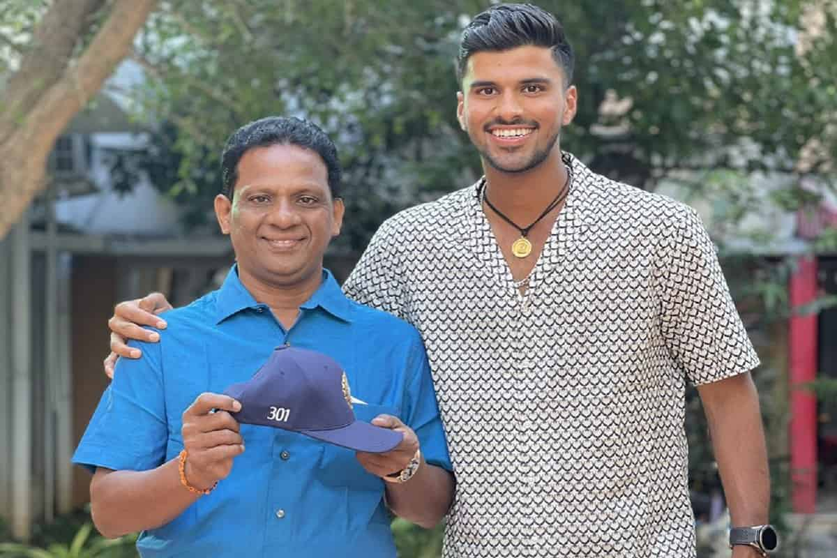 Sundar shares pic with dad and debut Test cap