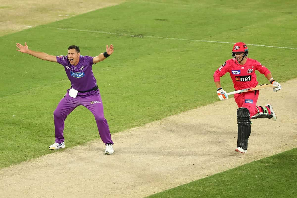 Cricket Image for BBL 10: Hobart Hurricanes Defeat Sydney Sixers By 7 Runs