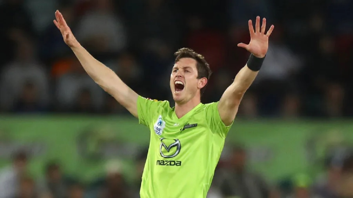 Cricket Image for BBL 10: Sydney Thunder Restricts Adelaide Strikers For 159/6