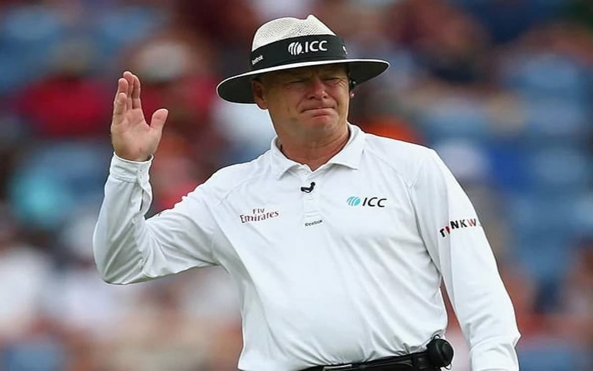 Bruce Oxenford retired after umpiring more than 200 international matches